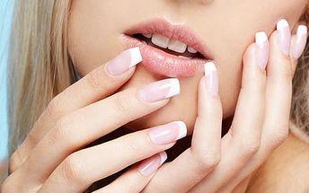 Gelová modeláž nehtů nebo doplnění, včetně permane...