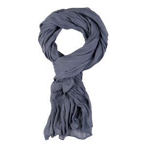 Krásný jemný šál tmavě šedé barvy, na koncích zdobené řasením (pružné - prošité gumičkou).