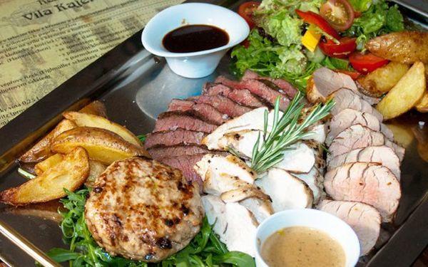 Steakové menu v krásné restauraci Vila Kajetánka