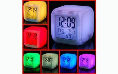 Udělejte si radost svítícím led diodovým budíkem chameleon a rozveselte svůj pokoj nebo ložnici se slevou 45%!!