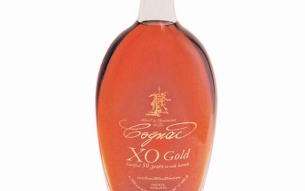 Cognac xo 50y albert de montaubert. Extra starý koňak crus de grande champagne, starý nejméně 50 let.