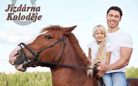 Jízda na koni v pražské jízdárně