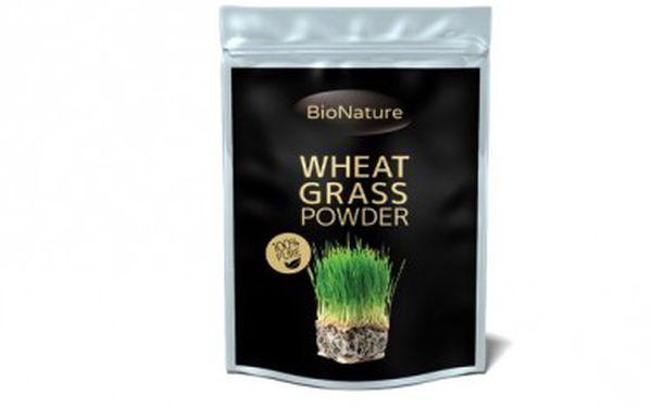100% BIO Zelená mladá pšenice 200g Zelené výhonky ječmene vám díky vysokému obsahu živin účinně detoxikují organismus a pomáhají při mnoha zdravotních problémech