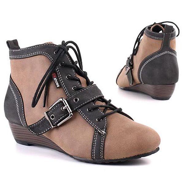 Béžové boty na klínku