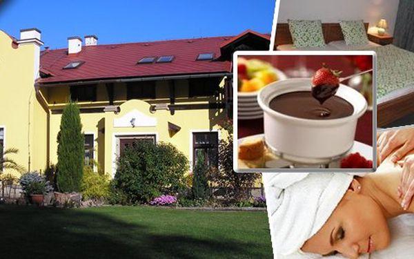 Relaxační pobyt pro 2 osoby na 3 dny v romantickém penzionu Podhorní mlýn na úpatí Orlických hor poblíž řeky Orlice s bohatou polopenzí. Lahodné čokoládové fondue, káva, láhev vína, masáže, pedikúra a kola!