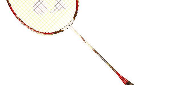 Badmintonová raketa Yonex VOLTRIC 80 LTD, RED (2013) s nejtenším rámem, který kdy byl na badmintonových raketách použit