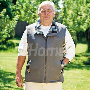 Stylová pánská vesta bez rukávů s hřejivým beránkem.