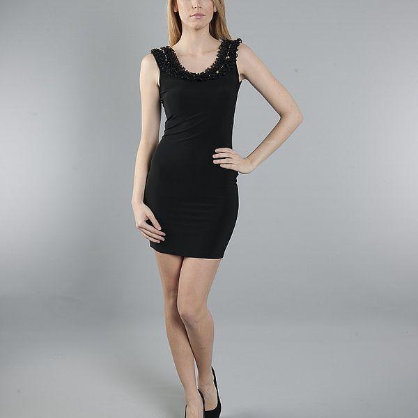 Dámske čierne šaty Via Bellucci s volánovým lemom