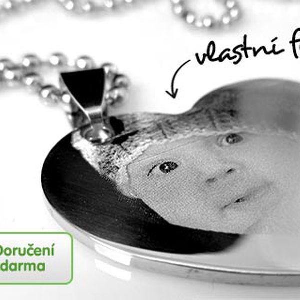 Řetízek a přívěsek s gravírovanou fotografií