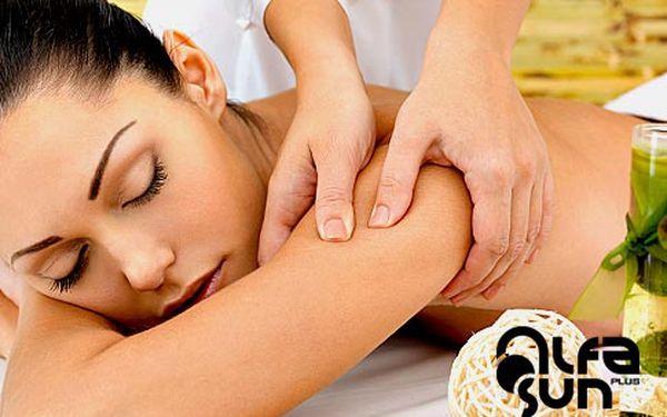 Celotělová hodinová masáž – 2 typy
