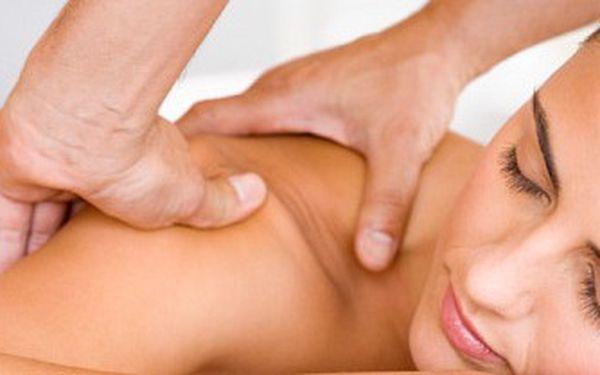 Relaxační masáž 90 minut v salonu Ondřej Lenc