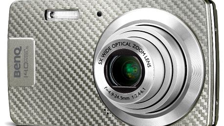 Fotoaparát Benq AE100 srozlišením 14Mix s 5× optickým zoomem.