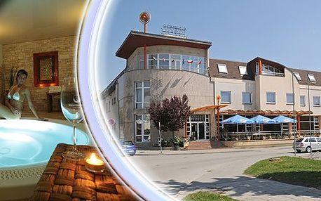 Romantický pobyt ve 4* Wine Wellness Hotelu Centro Hustopeče pro 2 osoby na 3 dny. Romantická 3chodová večeře při svíčkách, vstup do Wine Wellness - kneippova vinařská stezka, finská sauna, finské vědro, solná vinná lázeň, parní kabina, laconium, kamenná bylinková lázeň, koupele, whirlpool a wellness procedura!!!