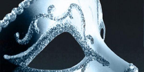 Kniha Fifty Shades Darker 2 (v anglickém jazyce). Světový bestseller.