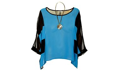 Dámsky čierno-modrý top Skulls s náhrdelníkom