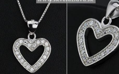 Strieborný náhrdelník - srdce vykladané zirkónmi za 13,20 € vrátane poštovného.