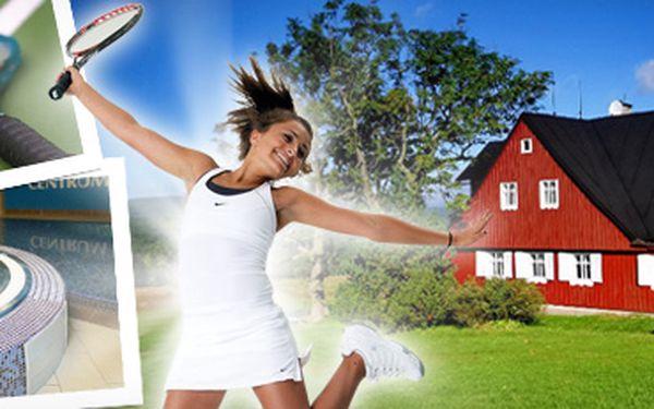 Jizerky: víkendový pobyt pro dva s výukou tenisu, wellness a grilováním