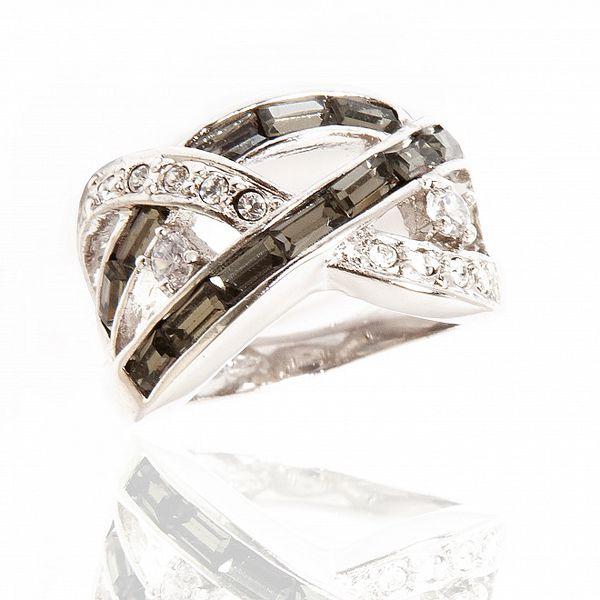Dámsky strieborný prsteň Bague a Dames s čiernymi a bielymi kryštálmi