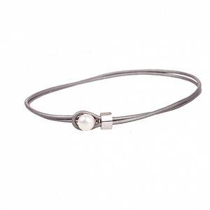 Dámsky strieborný kožený náhrdelník Arla s perlou