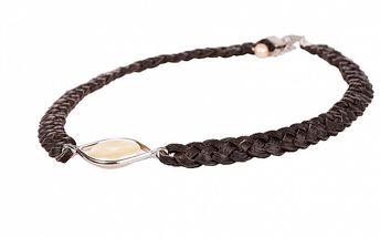 Dámsky hnedý kožený náhrdelník Arla s perlovým kamienkom