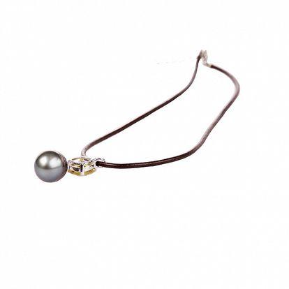 Dámsky hnedý kožený náhrdelník Arla s čiernou perlou