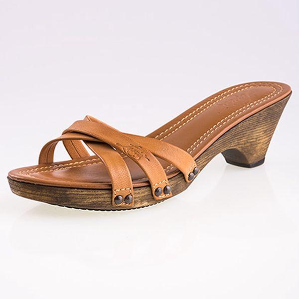 Hnědé kožené páskové pantofle