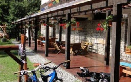 Načerpajte jarnú energiu na fantastickom 3-dňovom pobyte pre 2 osoby v Demänovskej doline blízko akvaparkov v hoteli LIPTOV - Jasná Nízke Tatry iba za 37 €!