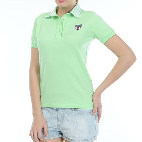 Světle zelené tričko s límečkem