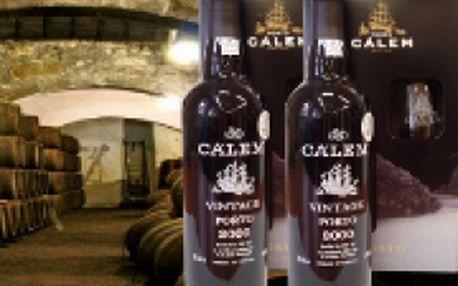 Portské víno Vintage 2000 se skleničkou