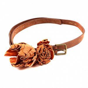 Dámský hnědo-oranžový pásek s květinou Bagatt