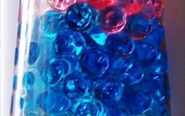 Gelové dekorační kuličky - sada 12 sáčků. Dají se využít například do květináče