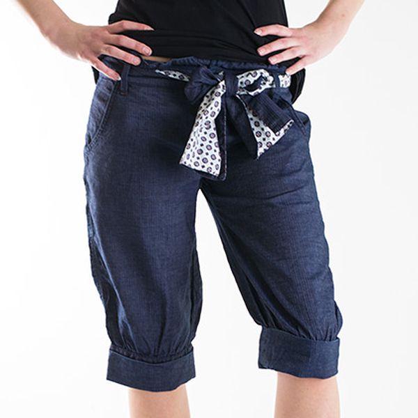 Modré tříčtvrteční kalhoty s ozdobnou mašlí Hugo Boss