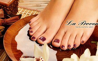 MOKRÁ PEDIKÚRA s MASÁŽÍ a PEELINGEM za skvělých 169 Kč v luxusním salonu La Provence! Dopřejte svým nožkám péči, kterou si opravdu zaslouží! Úžasná sleva 58%!
