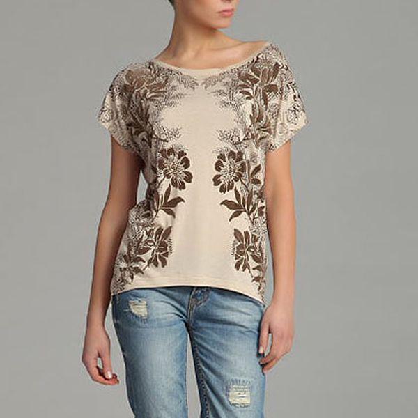 Béžové tričko s květinami