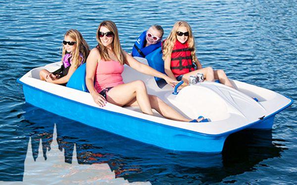 Hodinka na šlapadlech na Vltavě za 120 Kč! Super plán na letní odpoledne.