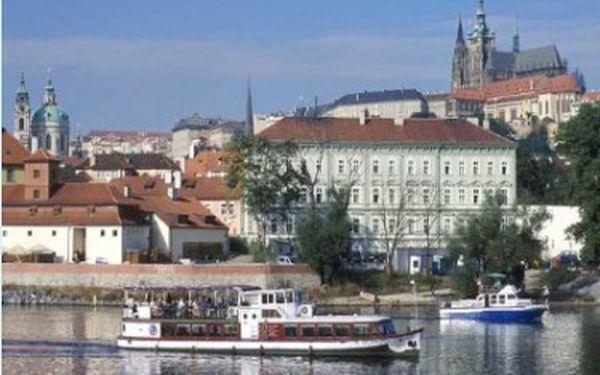 Dvou hodinová plavba na parníku po Vltavě s bufetem 8.6. nebo 15.6