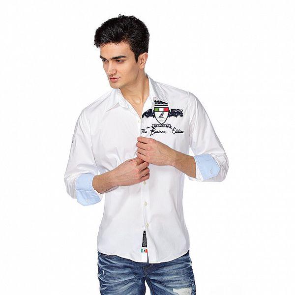Pánska biela košeľa s dlhým rukávom a nášivkou M. Conte