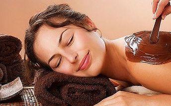 Masáž kakaovým maslom-príprava pokožky na opaľovanie