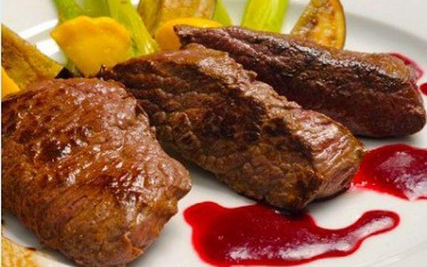 2 x 200g steak z klokana ( výběr ze 3 úprav) s přílohou ve vyhlášené restauraci českých celebrit Mount Steak Restaurant!