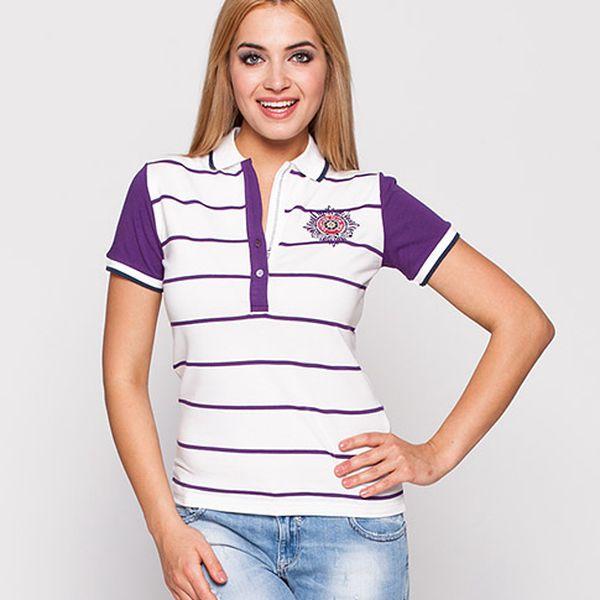 Bílé tričko s fialovými rukávy