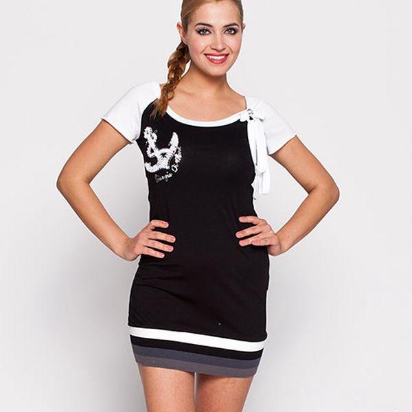 Černé námořnické šaty