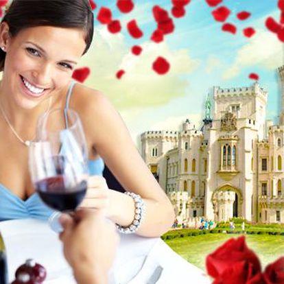 Hluboká a 4* zámecký hotel Štekl s neomezeným wellness. Bazén, sauna, vířivka s neomezeným vstupem a noc v královském pokoji pro dva i s romantickou čtyřchodovou večeří. Prožijte si vlastní pohádku!