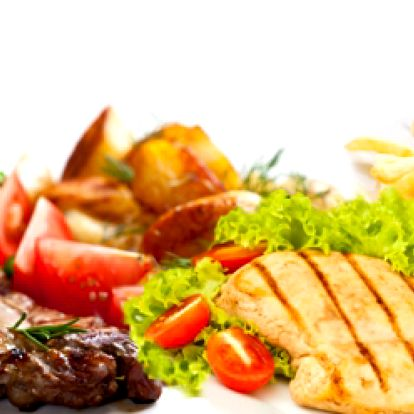 Senzačních 199 kč za 500g steakového talíře z vepřové krkovičky a kuřecího masa, 200g hranolek, 200g amerických brambor, 100g grilované zeleniny a 2 druhy omáček! Záležitost pro opravdové jedlíky!:-)