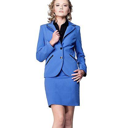 Modrý kostým