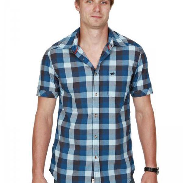 Pohodlná pánská košile Mustang 4466-4725-564 modrá/tmavě modrá s krátkým rukávem. Moderní vzor, příjemný materiál!