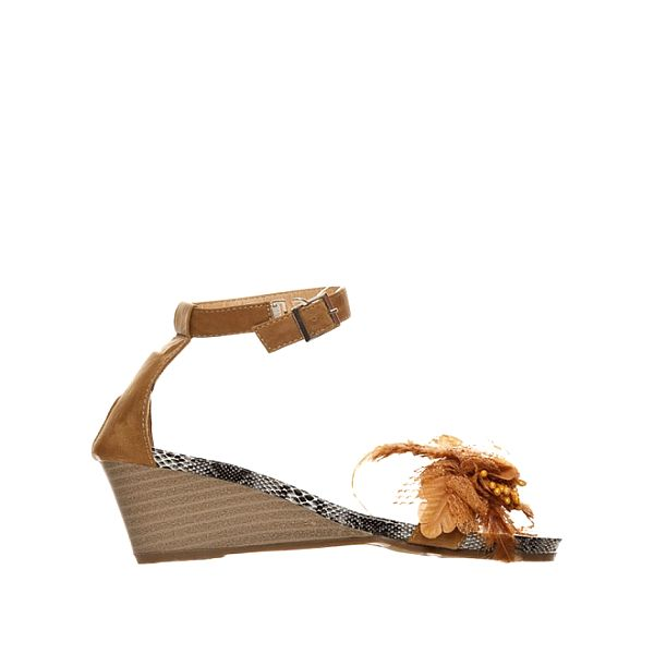 Dámské béžové sandály Yook For You na středně vysokém klínu