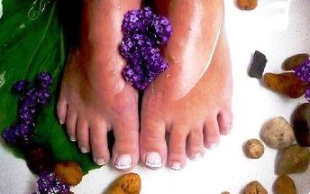 Luxusní péče o Vaše nohy jen za 129 Kč. Klasická mokrá pedikúra je vhodná i pro muže. Mějte krásné nohy do sandálů!