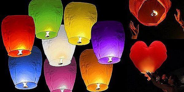 10 ks létajících lampiónů štěstí. Balení obsahuje 8 klasických lampiónů + 2 lampióny ve tvaru srdce! Nádherné zpestření letní noci!