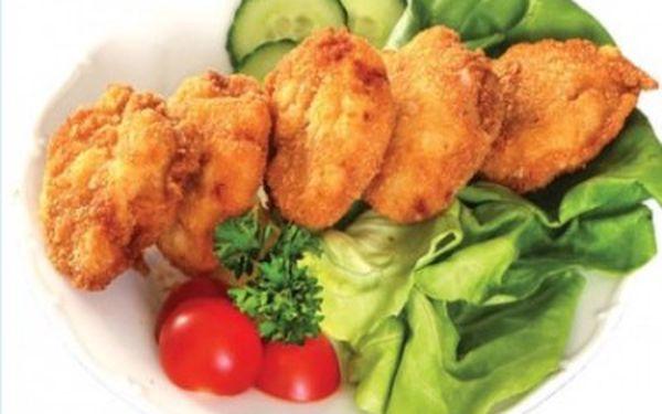 1kg smažené kuřecí řízečky, obloha, chleba. za 169Kč