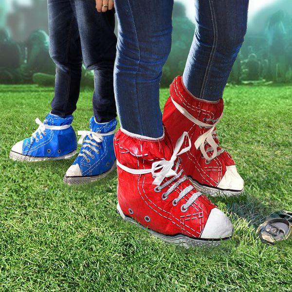 Pláštěnka na boty, čevená a vaše nohy jsou v suchu a čistu i na deštivém festivalu